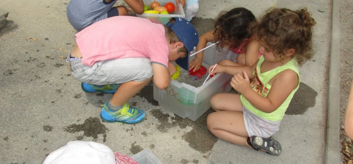 Jeux d'eau chez les maternelles