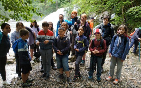 Camp à Lescheraines, ça pleut mais l'ambiance est bonne !